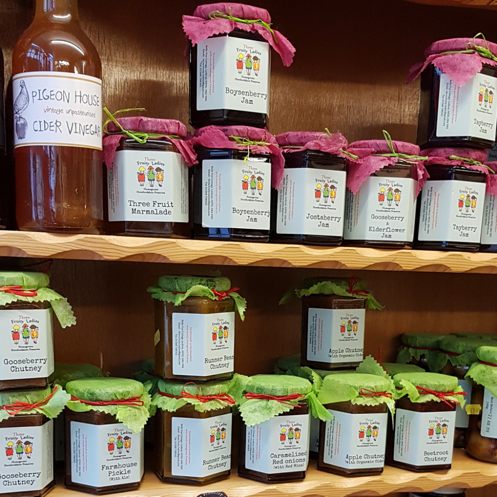 Three Fruity Ladies Chutney